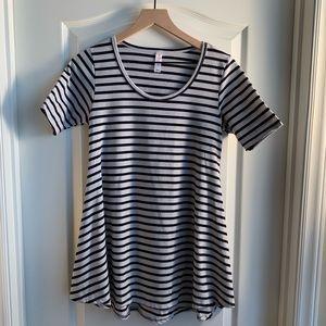 LuLaRoe Perfect T black & white Shirt  Size XXS